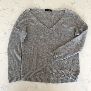 Olivaceous Gray V-Neck Sweater Size S
